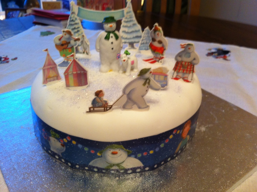 The Great British Bake Off Christmas- Mary Berry's Classic Christmas Cake.