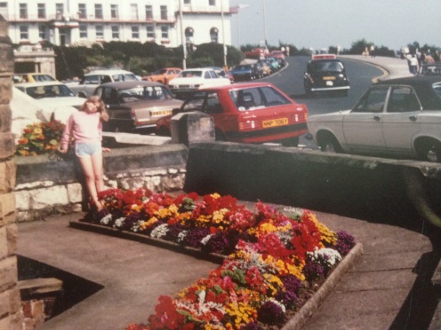 My grandad took this photo of me outside the family holiday flat on the Esplanade. Think it could have been the summer of '82 so I would have been about 10 here.