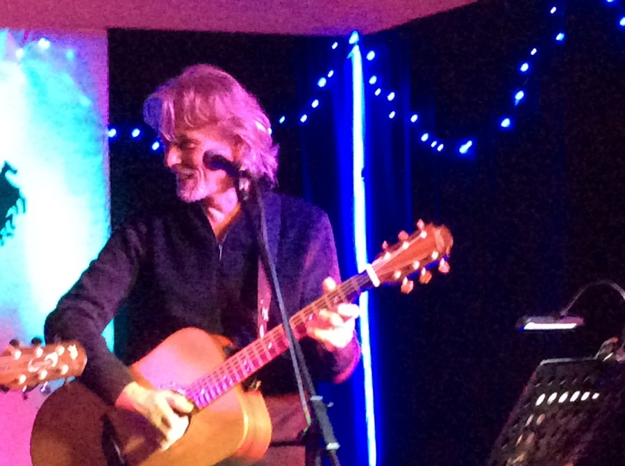 #2write: A Review of Graeme Clark and Dean Johnson's Gig at Thornton Hough Village Hall, Wirral.